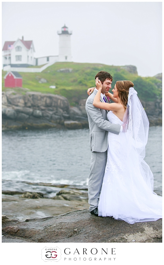 Kaydi_Bryan_Union_bluff_meeting_house_yourk_maine_wedding_nubble_light_0006.jpg