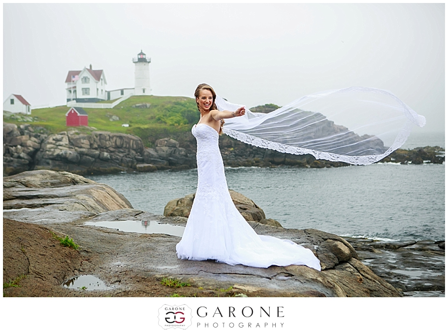 Kaydi_Bryan_Union_bluff_meeting_house_yourk_maine_wedding_nubble_light_0008.jpg
