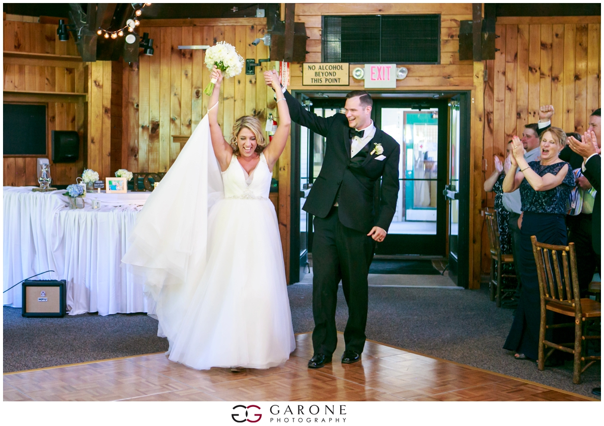 Chynna_Zac_Loon_Mountain_wedding_NH_Wedding_White_Mountian_wedding_Mountain_top_wedding_0022.jpg