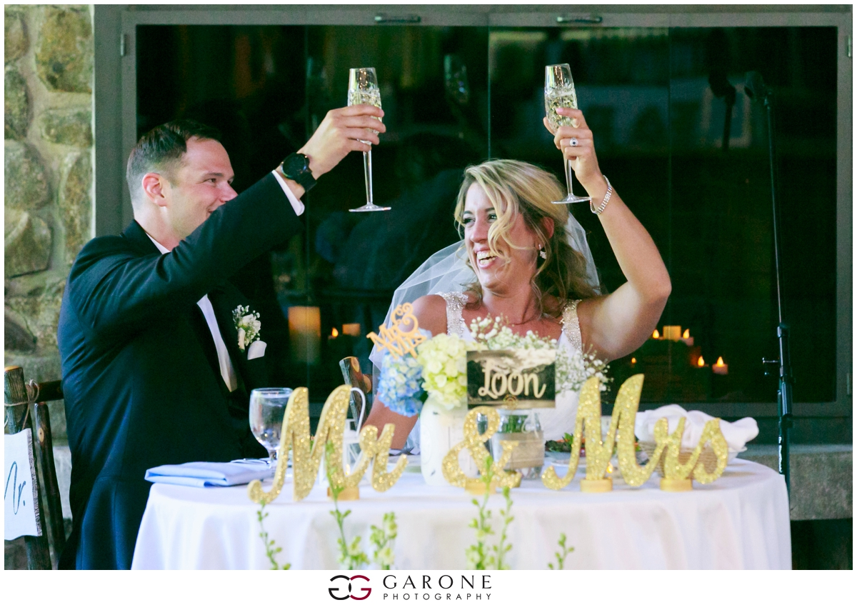 Chynna_Zac_Loon_Mountain_wedding_NH_Wedding_White_Mountian_wedding_Mountain_top_wedding_0024.jpg