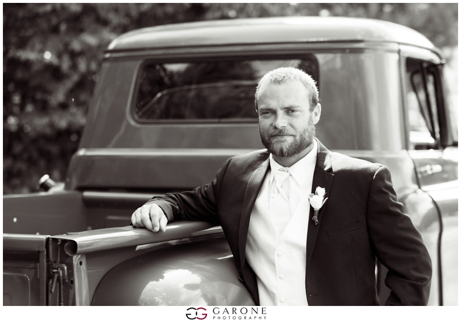 Aly_James_Elegant_Backyard_Wedding_Garone_Photography_NH-Wedding_Photographer_0108.jpg