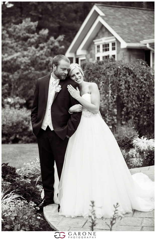 Aly_James_Elegant_Backyard_Wedding_Garone_Photography_NH-Wedding_Photographer_0126.jpg
