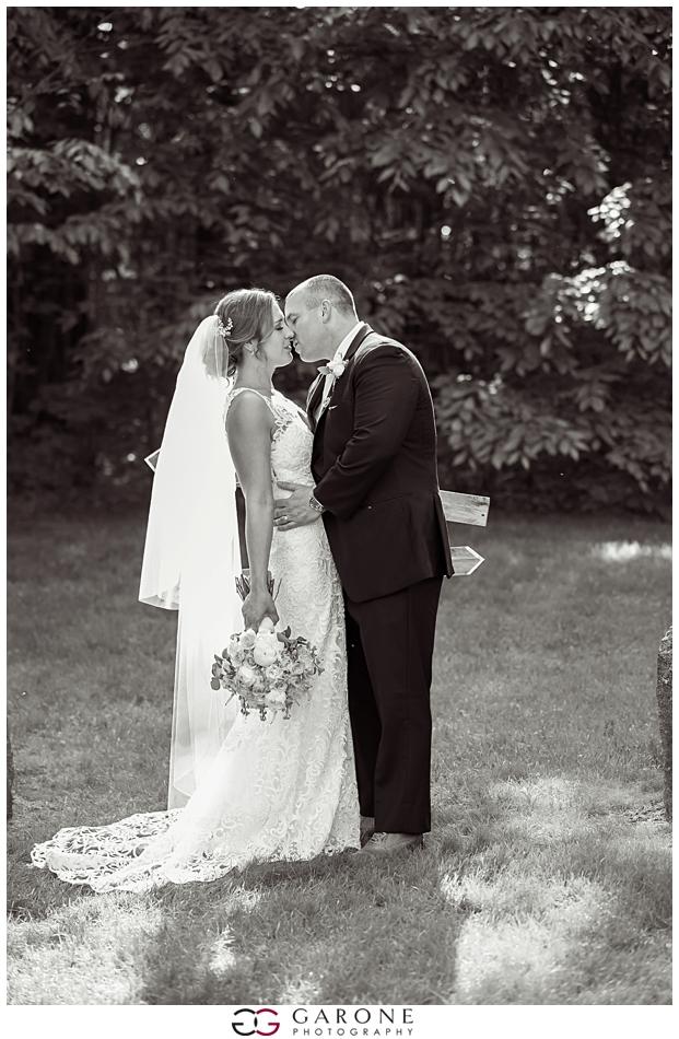 Cara_Matt_Hardy_Farm_Wedding_Garone_Photography_0026.jpg