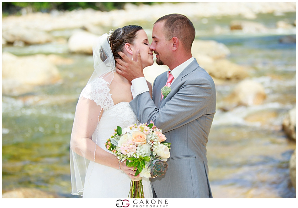 Christyn_Dustin_Loon_Mountain_Wedding_NH_Wedding_Photography_White_Mountain_Wedding_0008.jpg
