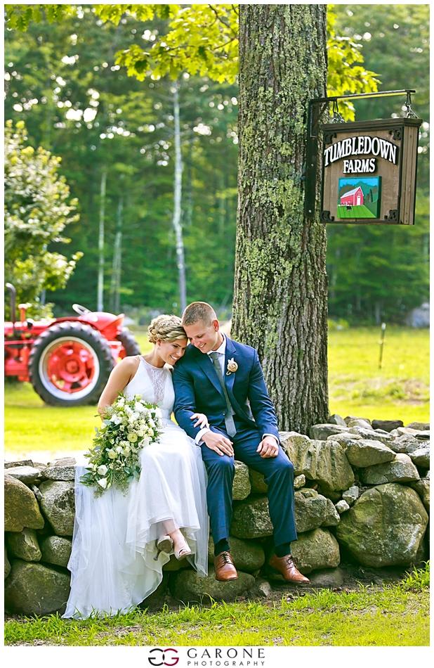 Lauren_Ian_Tumbledown_Farm_Wedding_Barn_Wedding_NH_Wedding_Photography_Garone_Photography_0012.jpg