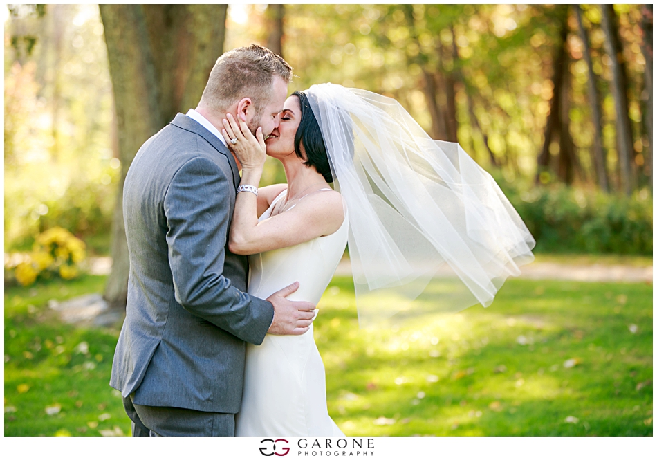 Stacy_Adam_Maine_Wedding_Photography_Outlook_red_barn_Autum_Foliage_Wedding_Garone_Photography_0012.jpg