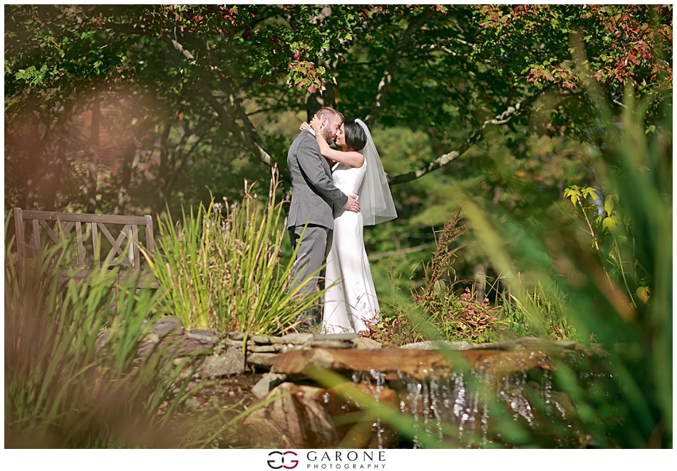 Stacy_Adam_Maine_Wedding_Photography_Outlook_red_barn_Autum_Foliage_Wedding_Garone_Photography_0013.jpg