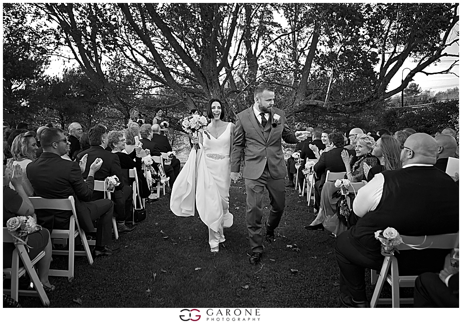Stacy_Adam_Maine_Wedding_Photography_Outlook_red_barn_Autum_Foliage_Wedding_Garone_Photography_0031.jpg