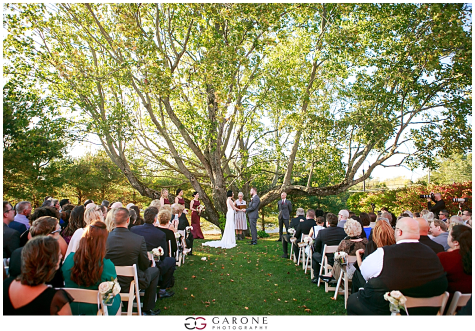 Stacy_Adam_Maine_Wedding_Photography_Outlook_red_barn_Autum_Foliage_Wedding_Garone_Photography_0032.jpg