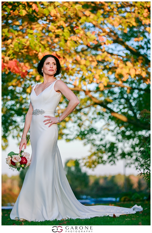 Stacy_Adam_Maine_Wedding_Photography_Outlook_red_barn_Autum_Foliage_Wedding_Garone_Photography_0034.jpg