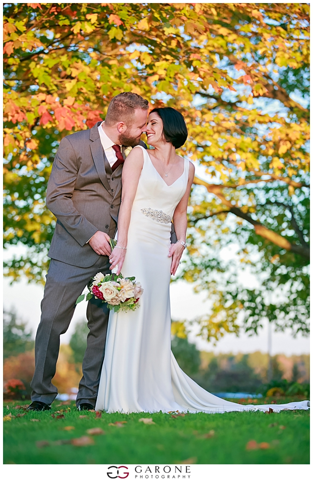 Stacy_Adam_Maine_Wedding_Photography_Outlook_red_barn_Autum_Foliage_Wedding_Garone_Photography_0035.jpg