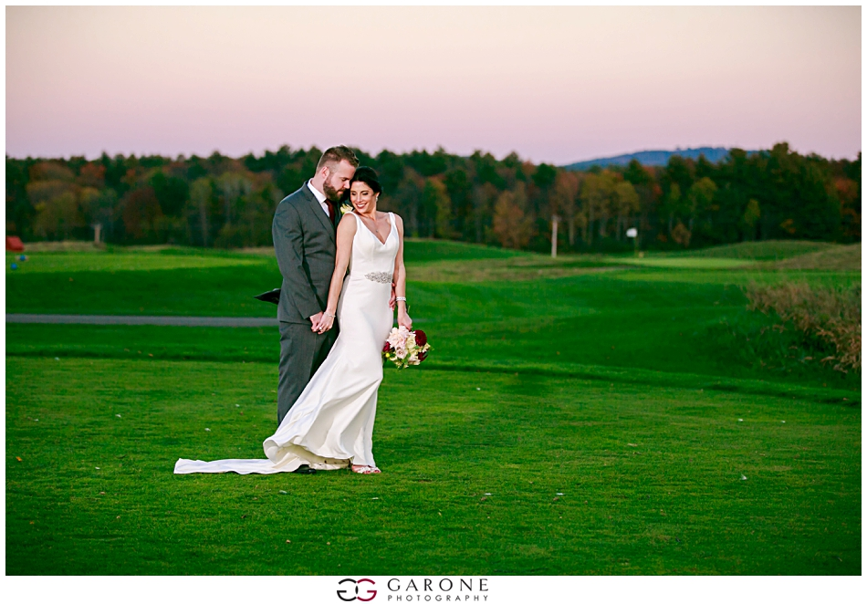 Stacy_Adam_Maine_Wedding_Photography_Outlook_red_barn_Autum_Foliage_Wedding_Garone_Photography_0037.jpg