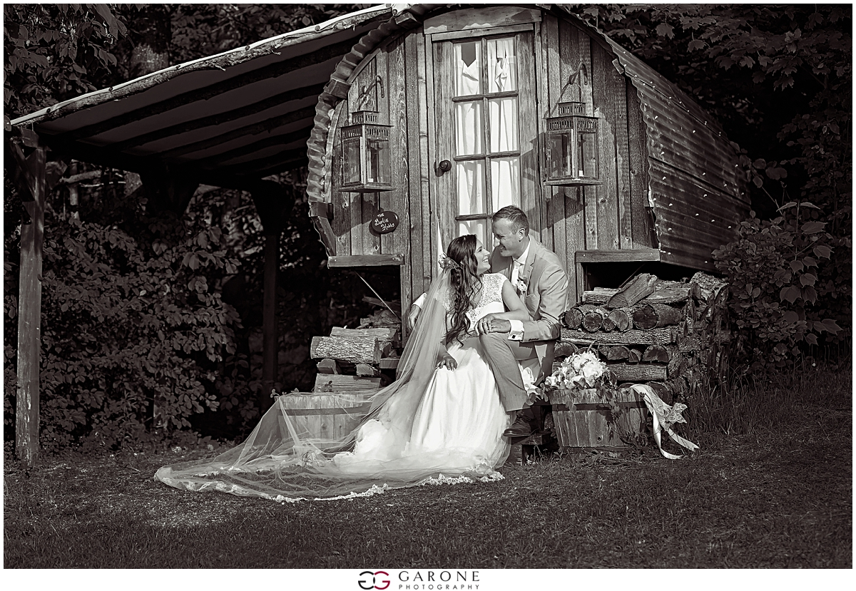 Jillian_Jonathan_Alerin_Barn_wedding_Vermonty_Wedding_Photography_0022.jpg