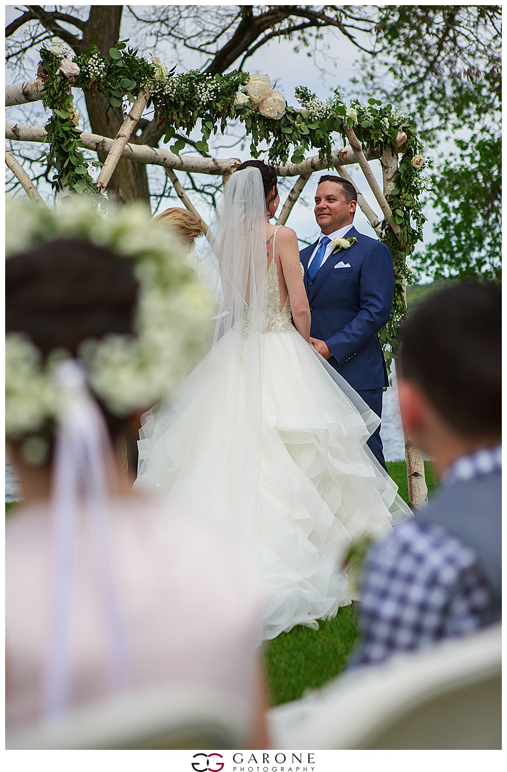 Shauna_Nathan_Carriage_House_Chuch_Landing_Lake_Winnapausakee_Wedding_0017.jpg