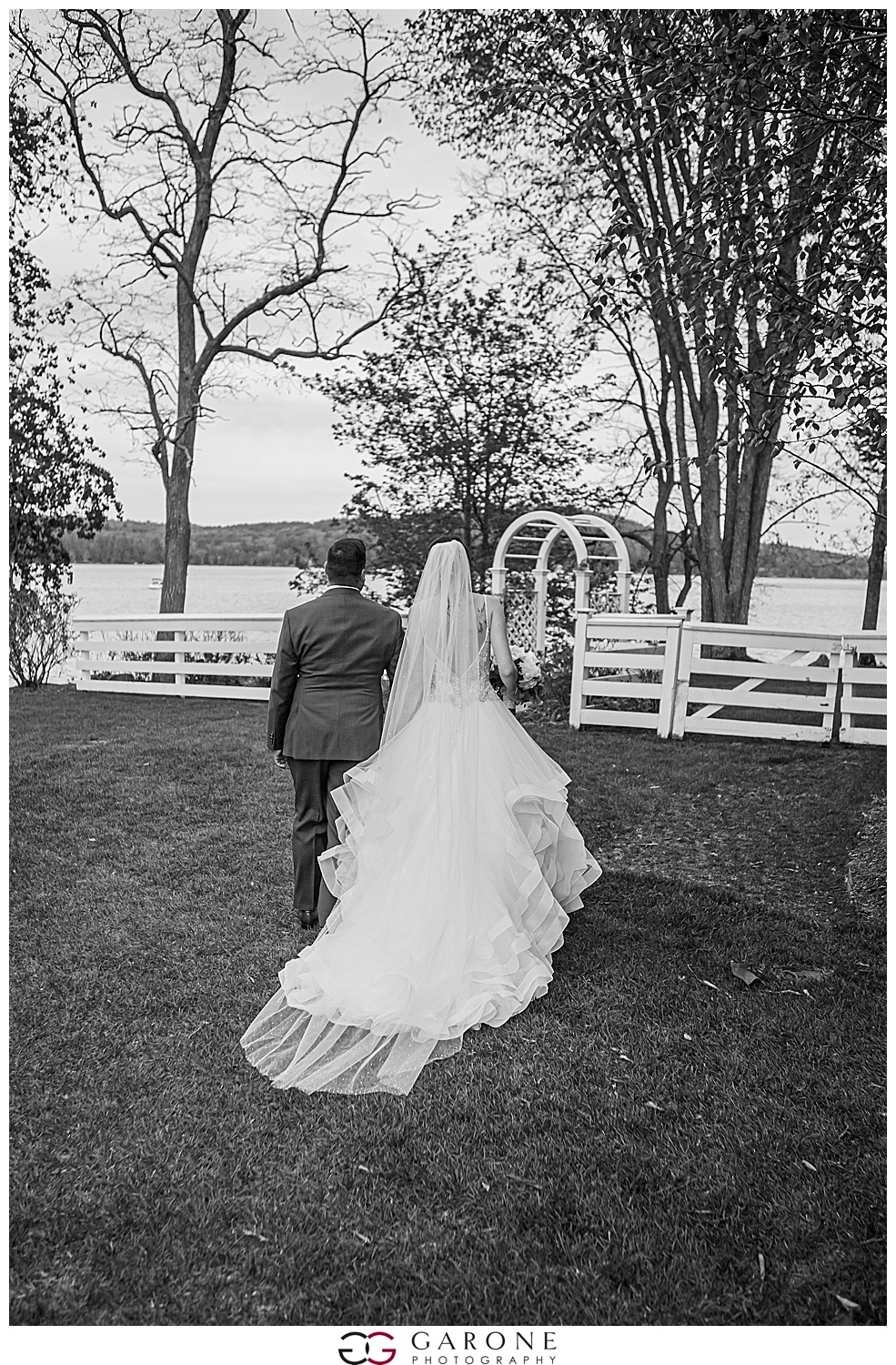 Shauna_Nathan_Carriage_House_Chuch_Landing_Lake_Winnapausakee_Wedding_0019.jpg