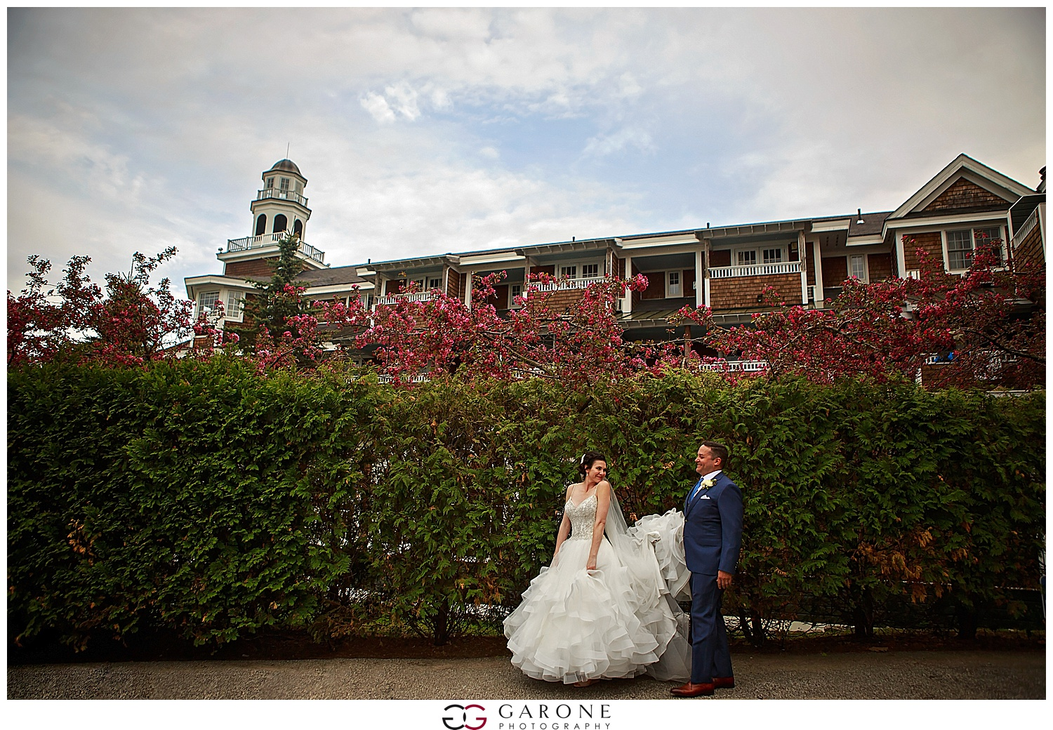 Shauna_Nathan_Carriage_House_Chuch_Landing_Lake_Winnapausakee_Wedding_0029.jpg