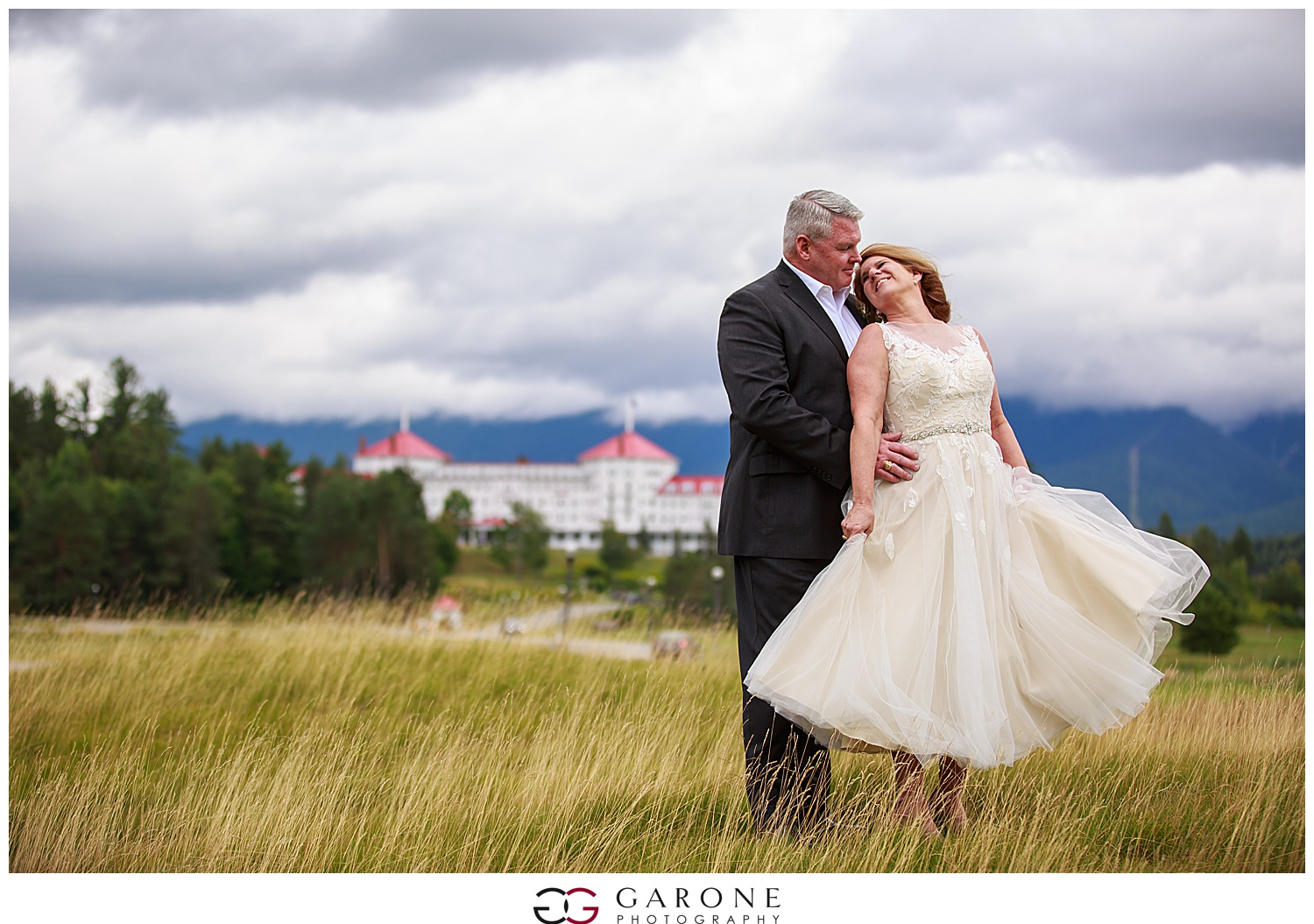 Brian_Kelly_Omni_Mount_Washington_Wedding_Garone_Photography_Wedding_NH_Photography_0023.jpg