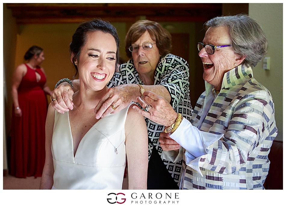 Mount_Sunnapee_Mountain_top_wedding_brode_groom_NH+Wedding_Garone_phoography_0045.jpg