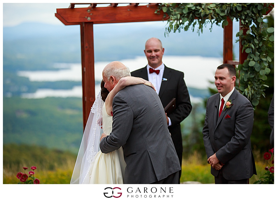 Mount_Sunnapee_Mountain_top_wedding_brode_groom_NH+Wedding_Garone_phoography_0055.jpg