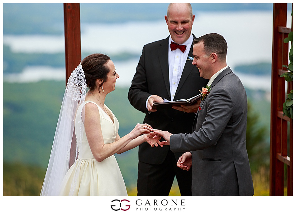 Mount_Sunnapee_Mountain_top_wedding_brode_groom_NH+Wedding_Garone_phoography_0057.jpg