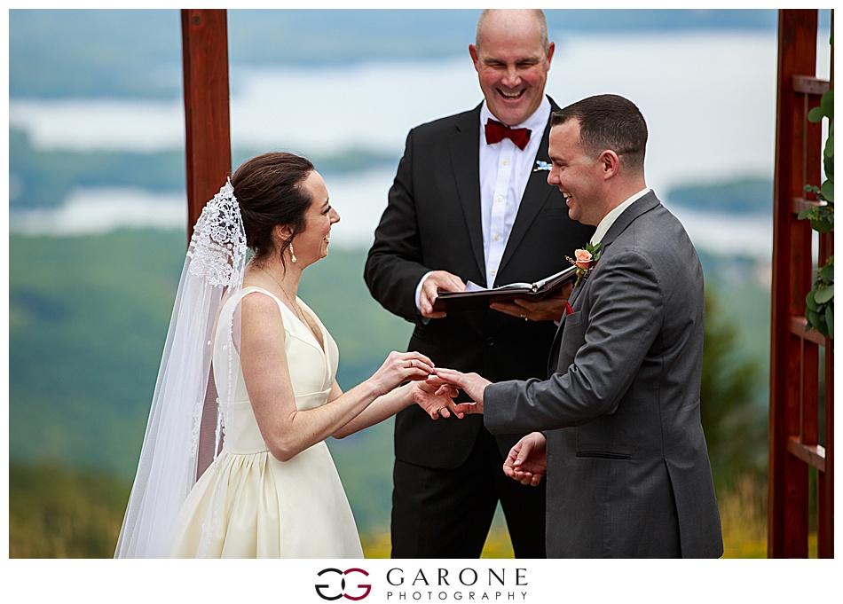 Mount_Sunnapee_Mountain_top_wedding_brode_groom_NH+Wedding_Garone_phoography_0057.jpg