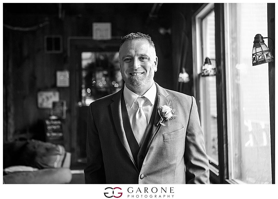 Lauren_Chris_Whitneys_Inn_Wedding_Photography_NH_Wedding Photographer_White_Mountain_Wedding_0005.jpg