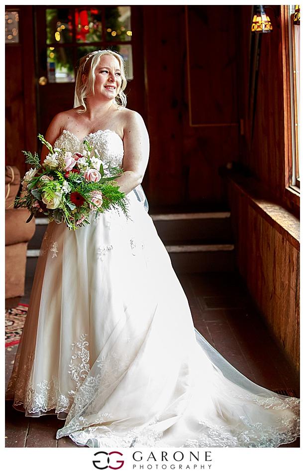 Lauren_Chris_Whitneys_Inn_Wedding_Photography_NH_Wedding Photographer_White_Mountain_Wedding_0007.jpg