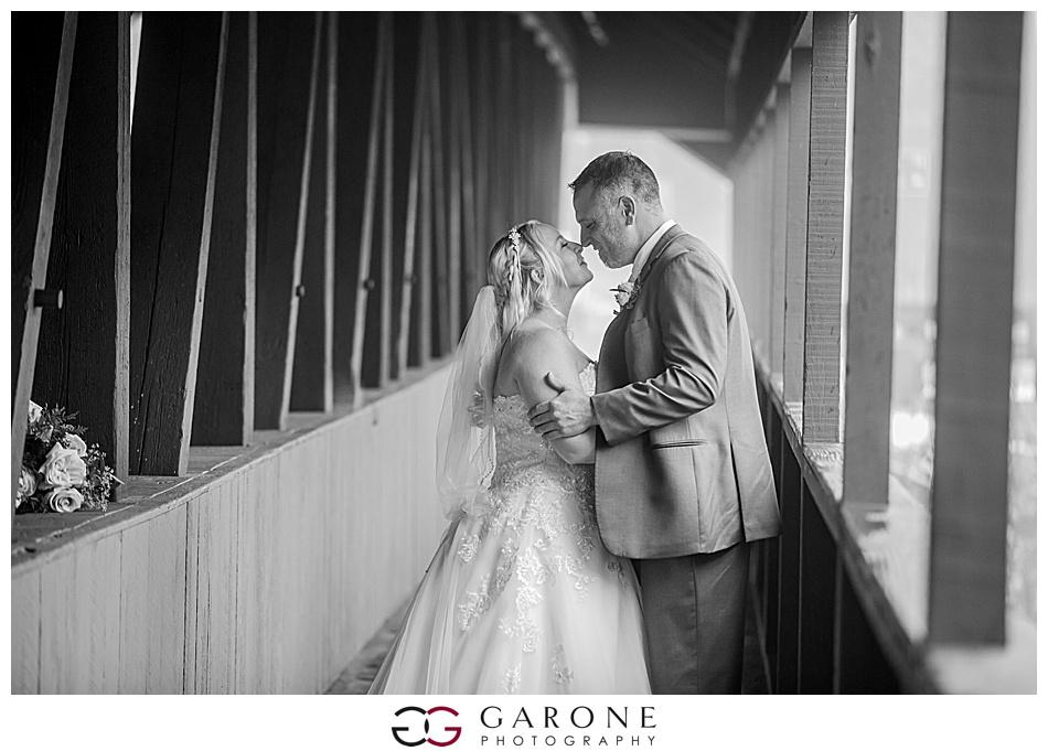 Lauren_Chris_Whitneys_Inn_Wedding_Photography_NH_Wedding Photographer_White_Mountain_Wedding_0010.jpg