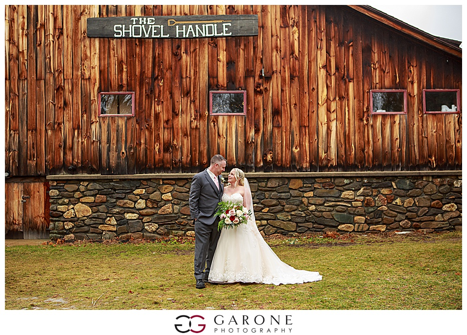 Lauren_Chris_Whitneys_Inn_Wedding_Photography_NH_Wedding Photographer_White_Mountain_Wedding_0012.jpg