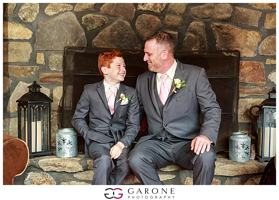 Lauren_Chris_Whitneys_Inn_Wedding_Photography_NH_Wedding Photographer_White_Mountain_Wedding_0018.jpg