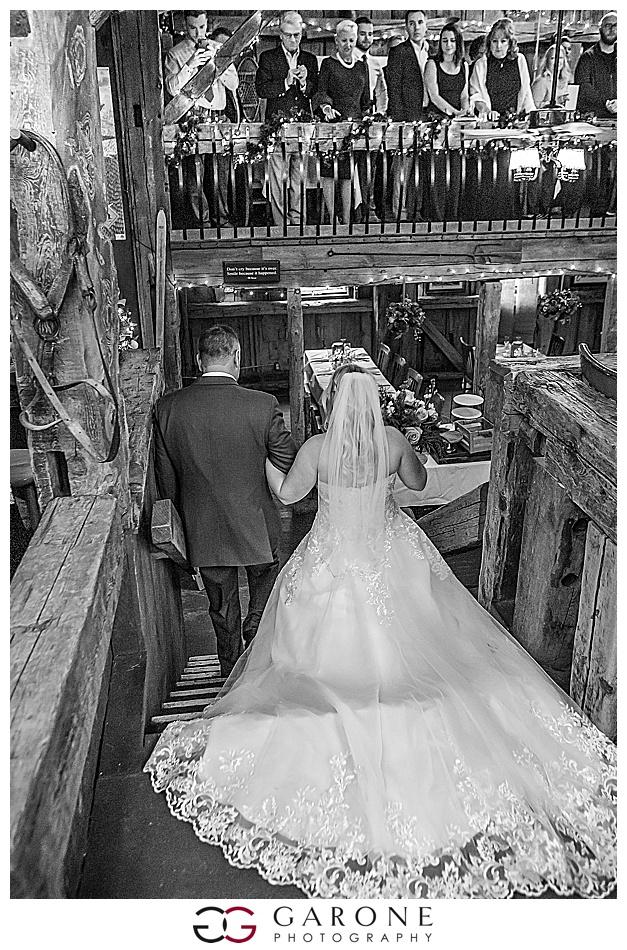 Lauren_Chris_Whitneys_Inn_Wedding_Photography_NH_Wedding Photographer_White_Mountain_Wedding_0020.jpg