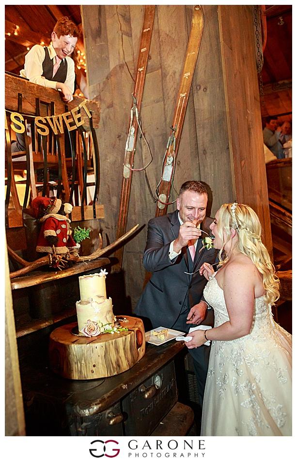Lauren_Chris_Whitneys_Inn_Wedding_Photography_NH_Wedding Photographer_White_Mountain_Wedding_0029.jpg